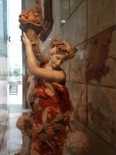 Hotellet var rikligt dekorerat med marmorstatyer. Äkta?