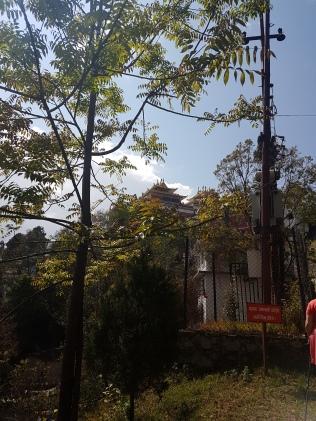 Längst däruppe ligger klostret!